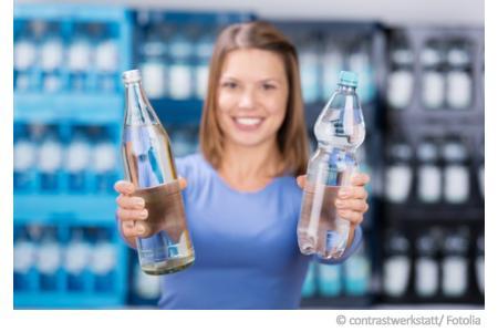 Plastikflasche oder Glasflasche